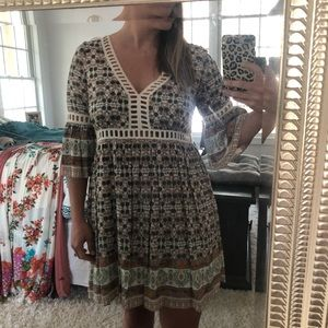 Taylor & Sage floral dress size small NWOT